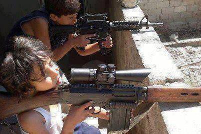 Anak Suriah dipaksa Jadi Pemberontak Bersenjata2
