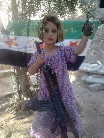 Anak Suriah dipaksa Jadi Pemberontak Bersenjata3