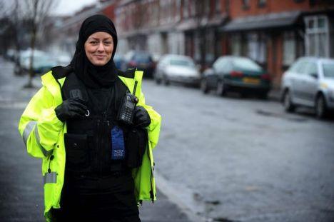 Polisi Wanita Muslim di Inggris