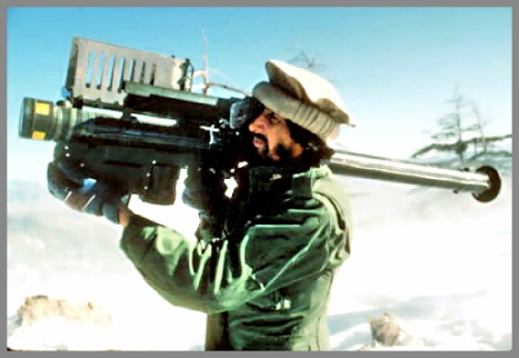 Mujahidin Al Qaida i Afghanistan dengan Rudal AS Stinger