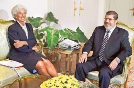 Mursi meminta pinjaman US$ 4,8 Milyar kepada Direktur IMF Christine Lagarde di Kairo